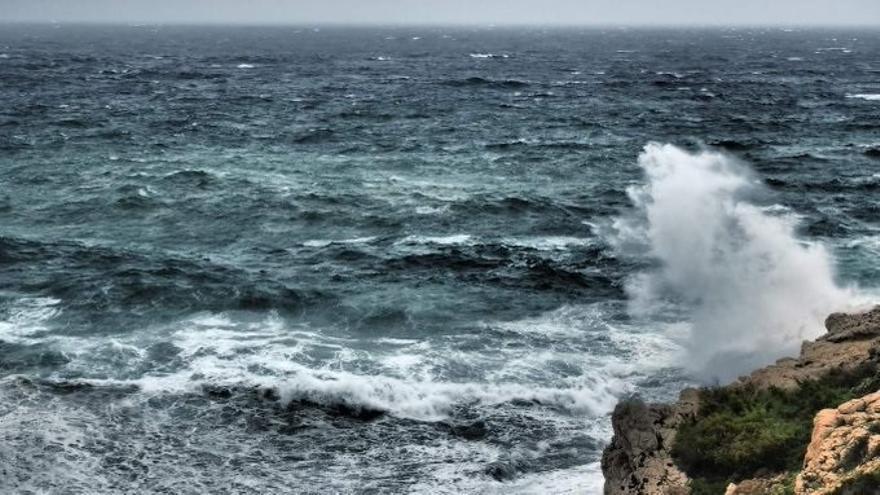 Alerta amarilla por olas en Mallorca