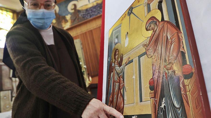 Las Carmelitas de Oviedo acogen un icono cristiano profanado en Siria por el Estado Islámico