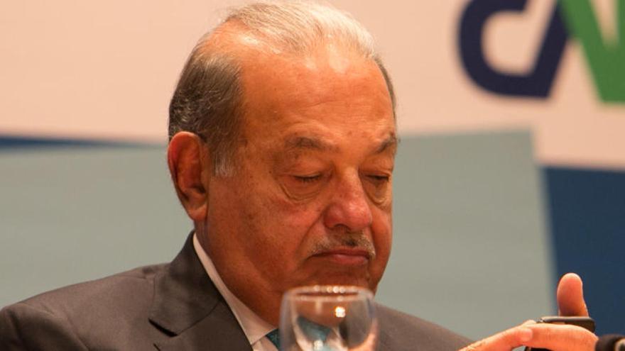 El mexicano Carlos Slim lanza su OPA por el 100% de FCC