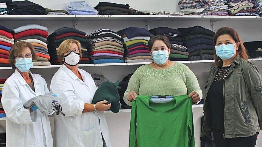 La pandemia reactiva en Nigrán el único banco de ropa municipal del área de Vigo