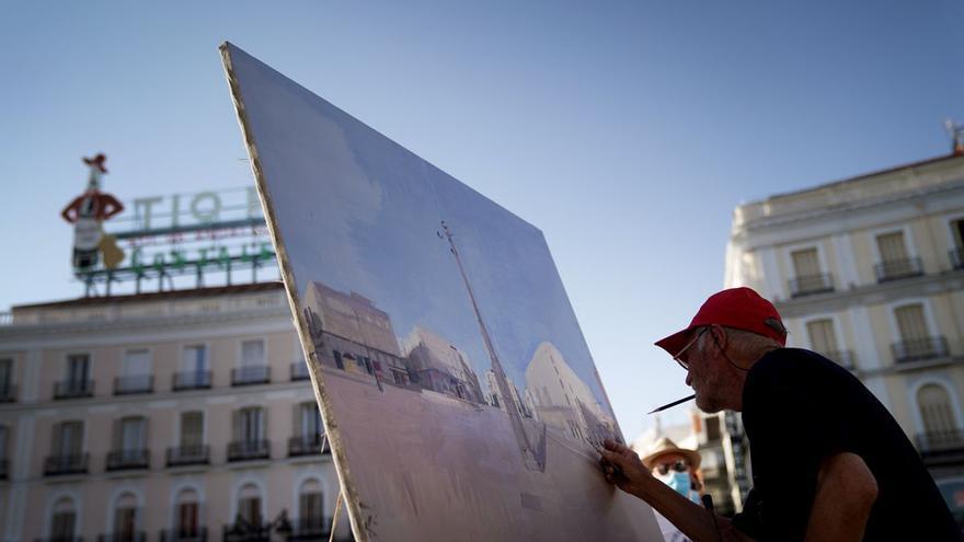 El artista Antonio López acaba de terminar sus dos meses de pintura a pie de calle en la Puerta del Sol de Madrid