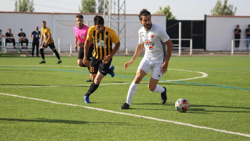 Pedro Juan aúlla en el 90 en el empate del Lobón ante el Llerenense