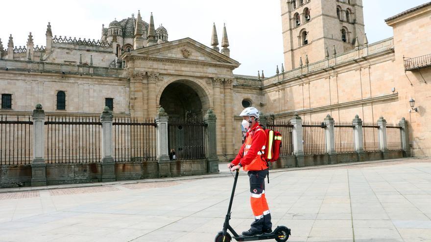 Un patinete con botiquín y desfibrilador atenderá urgencias en Zamora