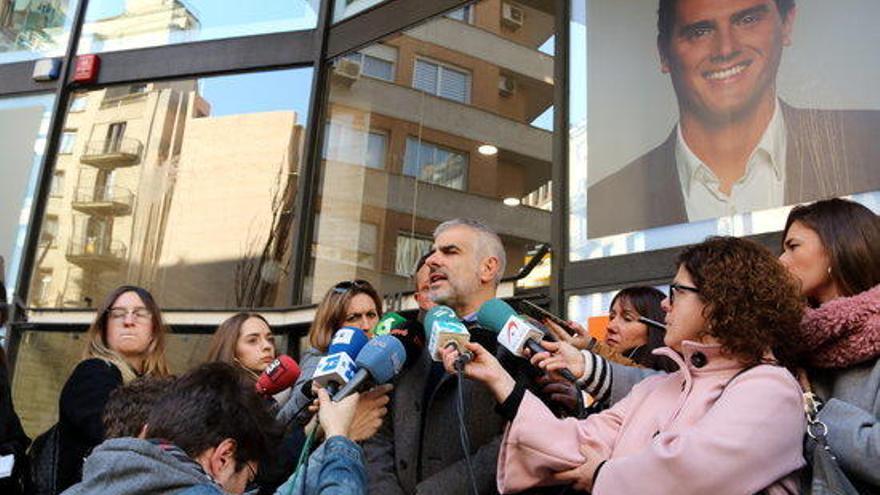 """Cs acusa Puigdemont de viure """"en una realitat paral·lela"""""""