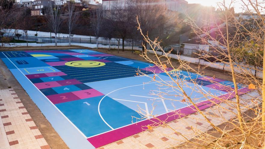 El C.E.I.P Miguel Berrocal apuesta por el arte urbano con 'Play in colors'