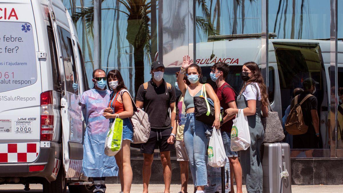 Los exalumnos del IES Góngora confinados en Mallorca podrán salir el 5 de julio si dan negativo.