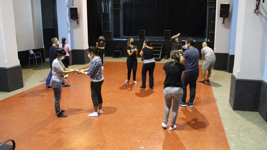 Aprender teatro para enseñar a los más jóvenes