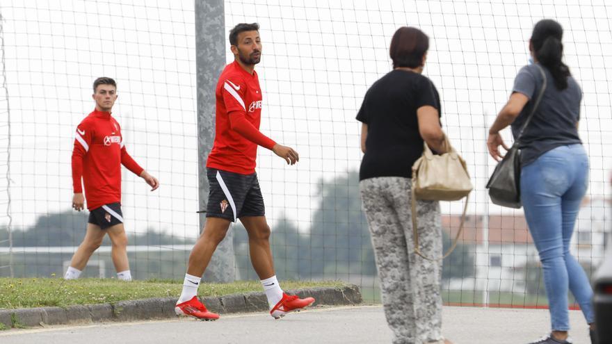 """Aitor García, sobre la llegada de refuerzos al Sporting: """"Cuanto más competencia, mejor"""""""