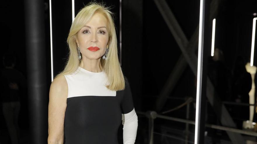 """Carmen Lomana defiende a Paloma Cuevas: """"Enrique Ponce le ha faltado al respeto"""""""
