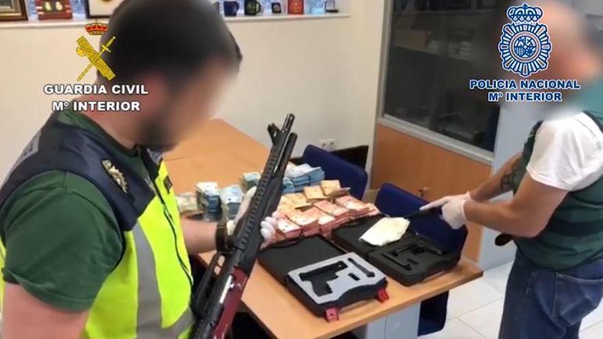 Investigan si un agente pidió dinero a unos narcos por información de un alijo