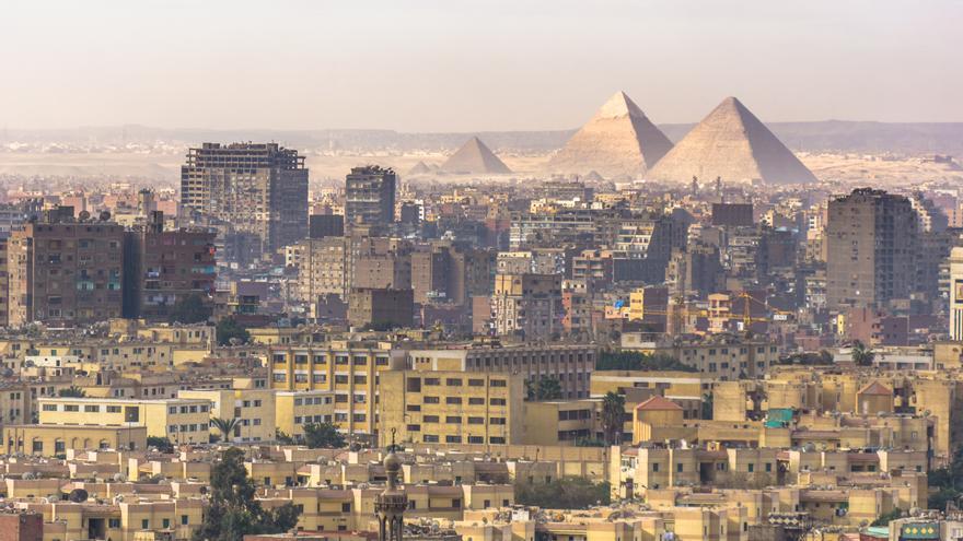 Seis niños mueren y otros 25 resultan heridos en un incendio en un centro de detención de menores en Egipto