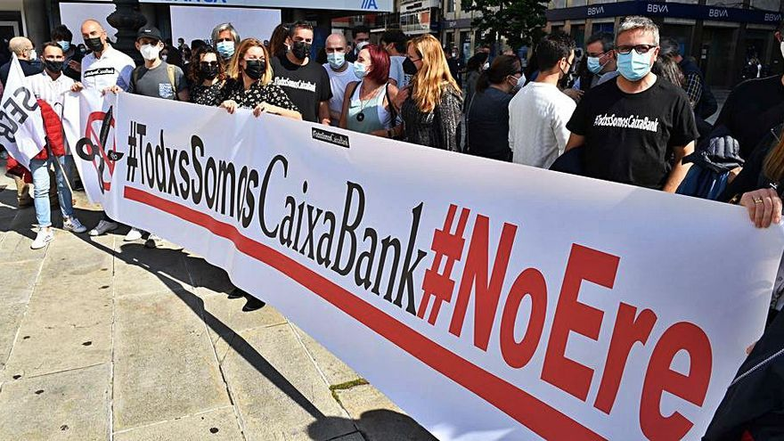 CaixaBank rebaja el ERE hasta las 6.750 personas en una jornada de huelga masiva