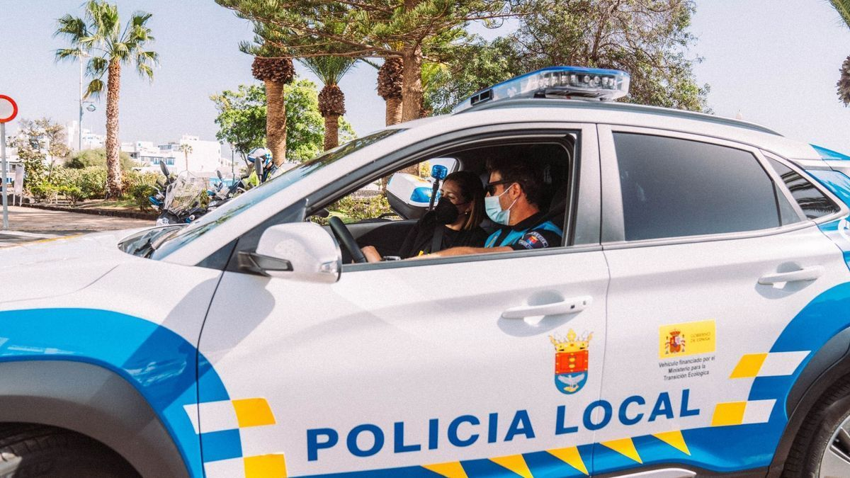 Archive image of a local Arrecife Police patrol car