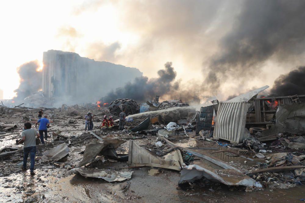 Explota un magatzem ple d'explosius al port de Beirut