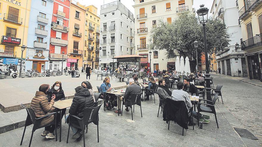 València suspende la tasa de terrazas correspondiente al segundo semestre