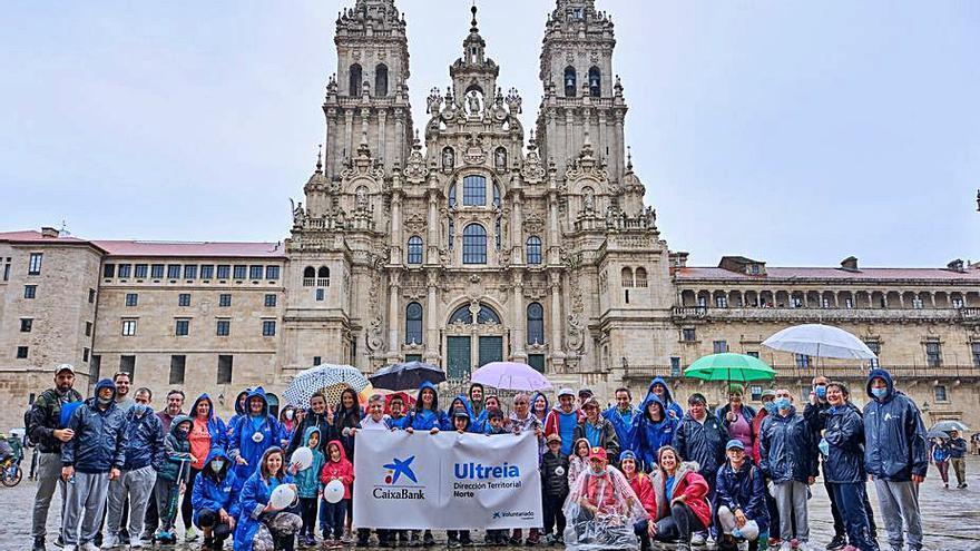 Mil empleados de CaixaBank recorren el Camino de Santiago desde Irún hasta el Obradoiro