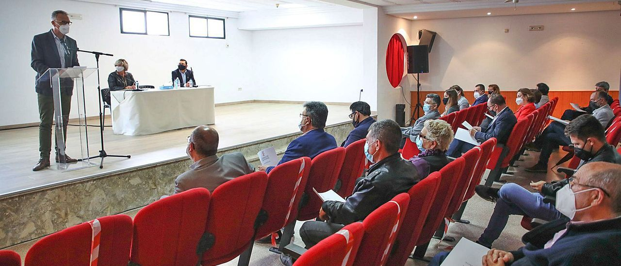 Encuentro de alcaldes de la Vega Baja convocados para refrendar un manifiesto de respaldo al trasvase Tajo-Segura.