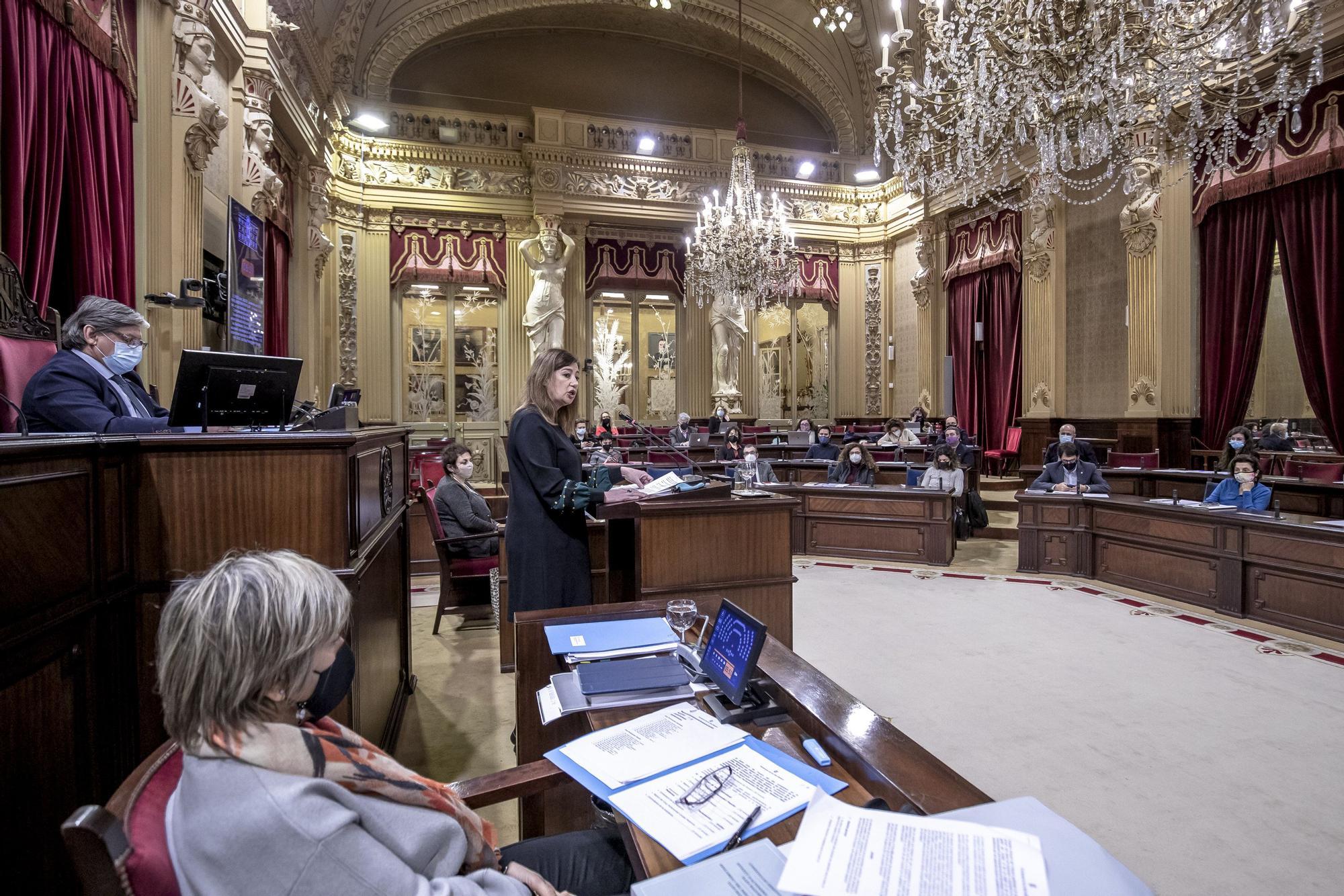 """Armengol pronostica para """"mediados de año"""" la """"normalización de la situación"""" en Baleares"""