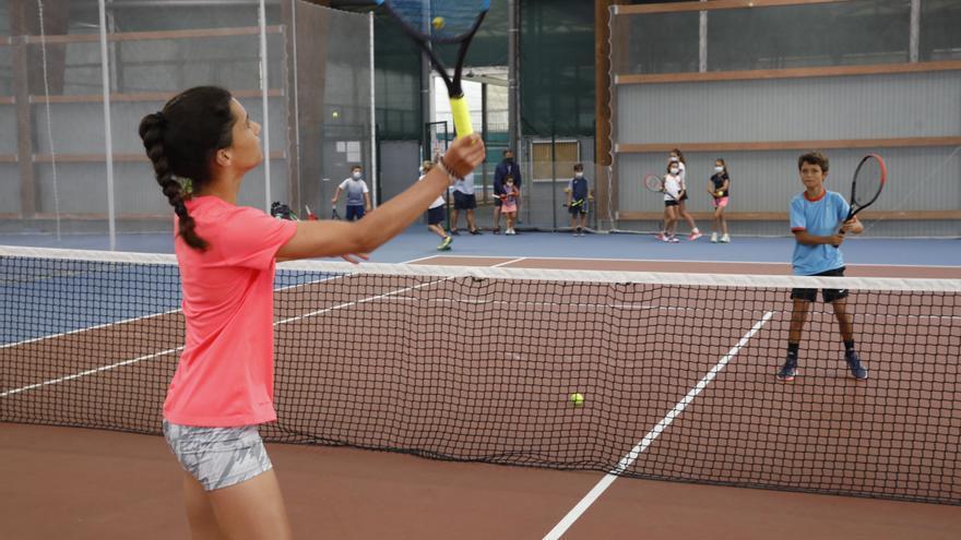 ¿Cómo está la salud del tenis asturiano? Las principales cifras y las opiniones de los expertos
