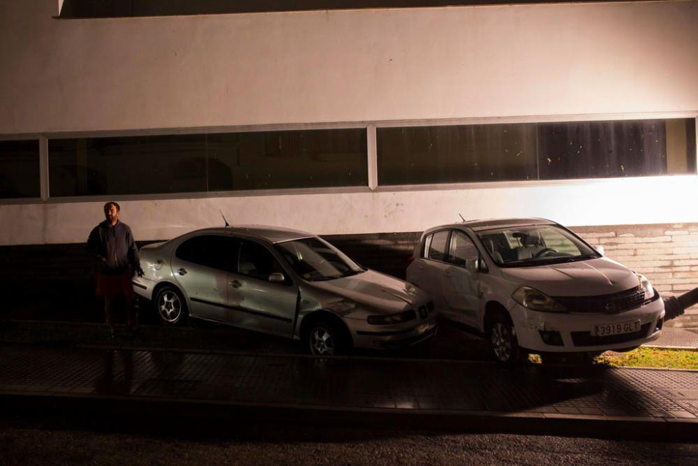 Riada arrastra coches en Alhaurín El Grande y ...