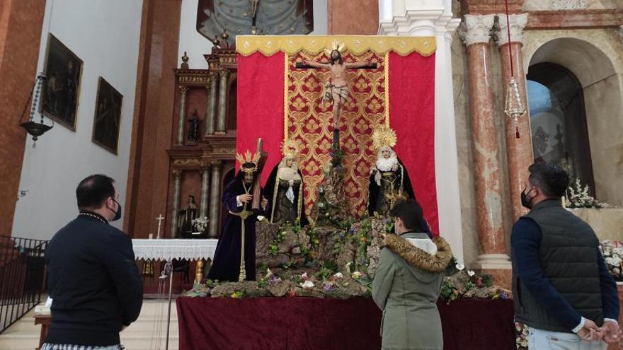 Altar efímero por la Semana Santa Chiquita