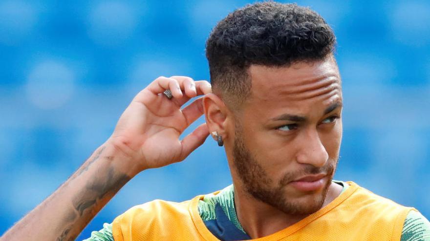 Neymar desata la indignación en Brasil por ofrecer una fiesta con unos 500 invitados