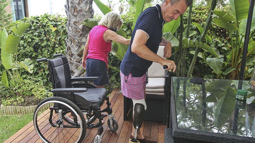 Igualdad rectifica y concede la tarjeta para aparcar al hombre con graves secuelas del covid