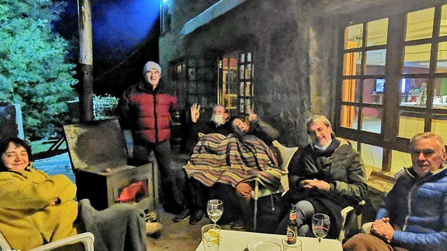 Terraza y manta: los apuros de los bares de los pueblos pequeños