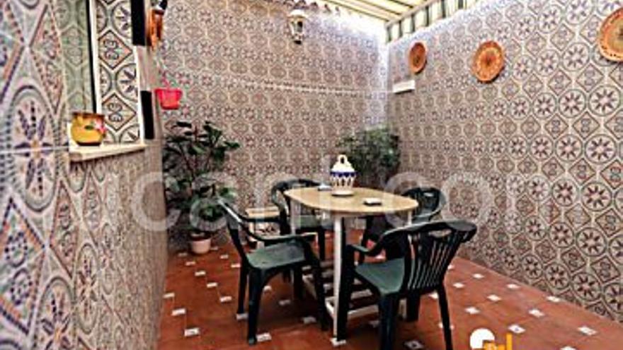 156.000 € Venta de casa en San Vicente del Raspeig (Sant Vicent del Raspeig) 127 m2, 3 habitaciones, 2 baños, 1.228 €/m2...