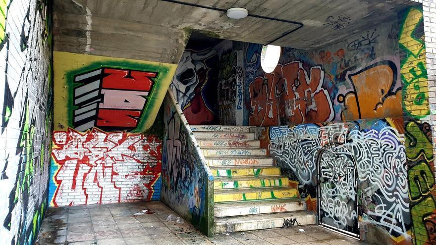 Aparece un hombre muerto en unas escaleras del centro de Vigo