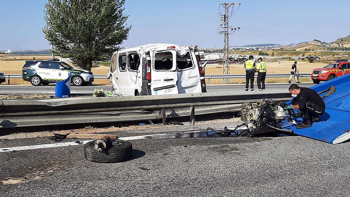 Estado de la furgoneta tras el accidente.