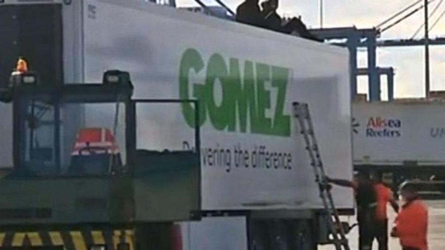 Decenas de migrantes intentan abandonar Gran Canaria como polizones en camiones