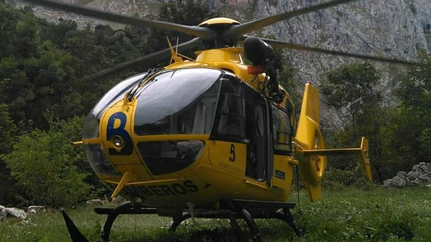 Rescatan en helicóptero a una senderista que se había fracturado un tobillo en la Ruta del Alba