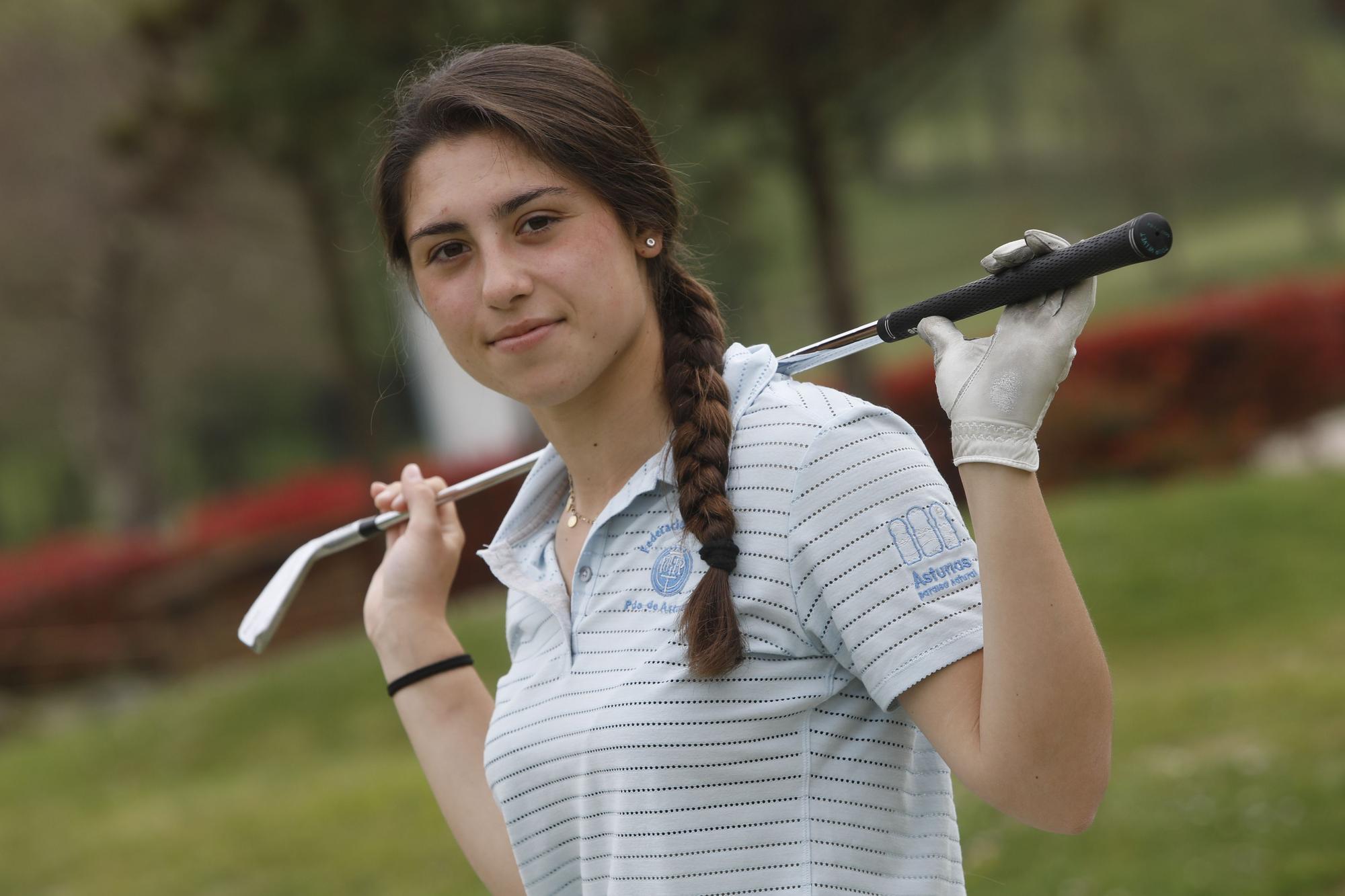Marta Cervero, la joven golfista ovetense