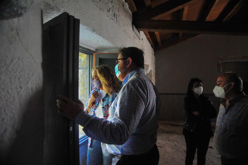 Reforma de las casas modernistas en el Concello de A Illa. / Iñaki Abella