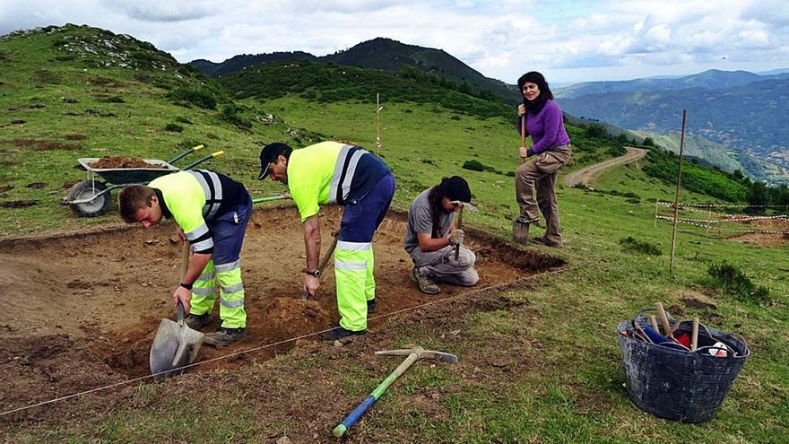 Tierra sobre la Carisa: Asturias lleva un lustro sin investigar los restos romanos