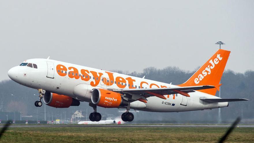 Dejan en Bilbao a un pasajero problemático de un vuelo entre San Javier y Londres