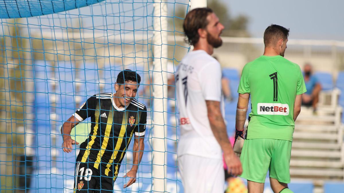 Fran Gámez, feliz justo tras marcar el gol del Real Zaragoza contra el Atromitos.