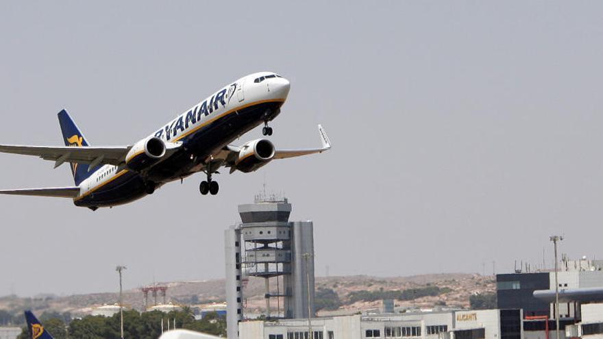 Ryanair gana un 66% más hasta los 867 millones