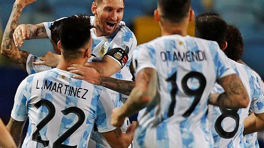 Messi y Ospina sentencian