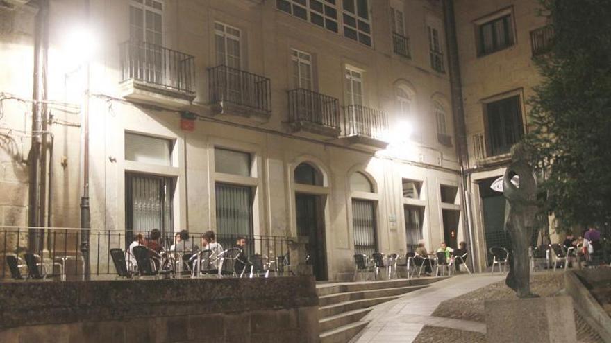 """O Cimborrio pide revisar los expedientes de """"cuatro falsos pub"""" ante su reapertura"""