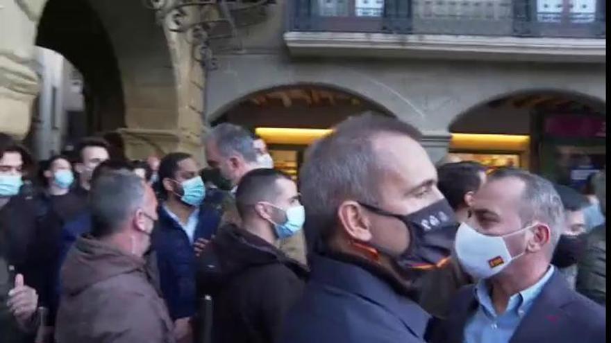 Varios mossos heridos leves en las protestas durante un acto de Vox en Barcelona