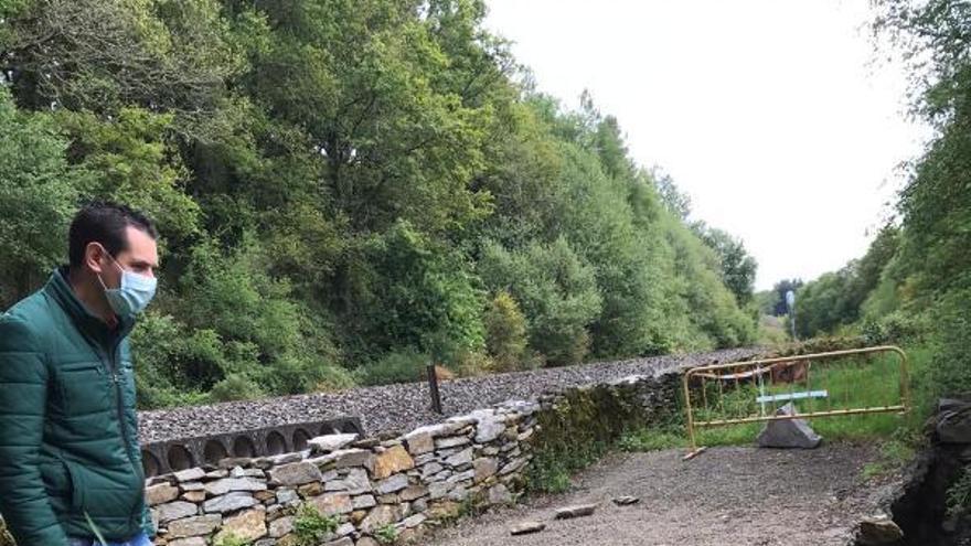 Lalín pide al Adif la reparación urgente del camino de Costoia
