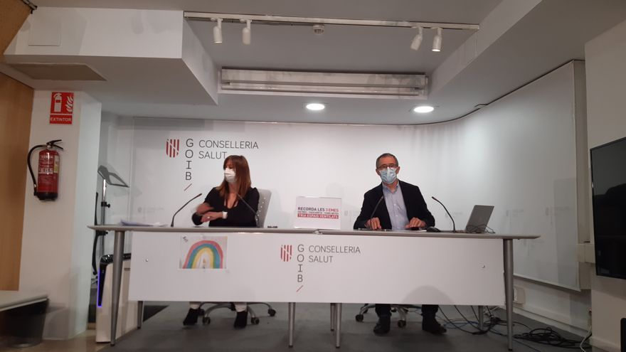Salut suspende la segunda dosis de Astrazeneca a 8.000 profesores de Balears