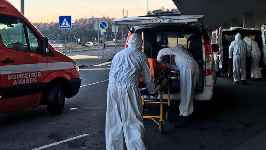 Portugal instala contenedores frigoríficos en los hospitales por el colapso de las morgues