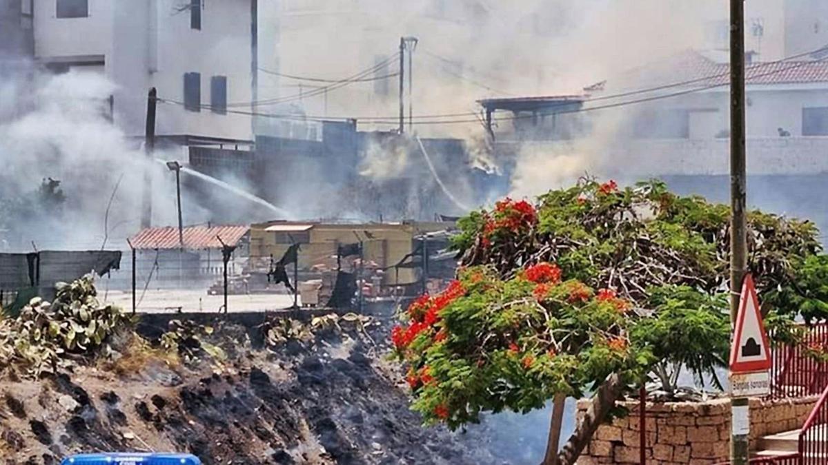 Conato de incendio en el barranco de Aroba, en Candelaria.     E.D.