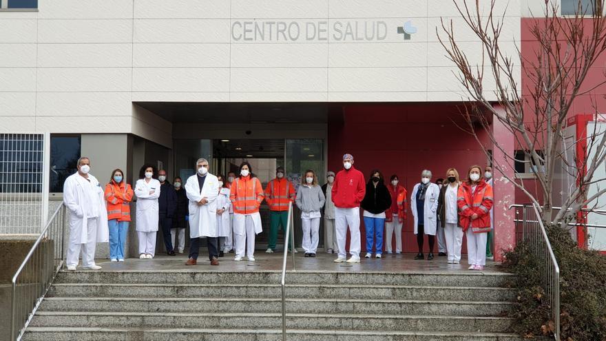 Silencio por Felisa Gallego en el Centro de Salud de Puebla de Sanabria