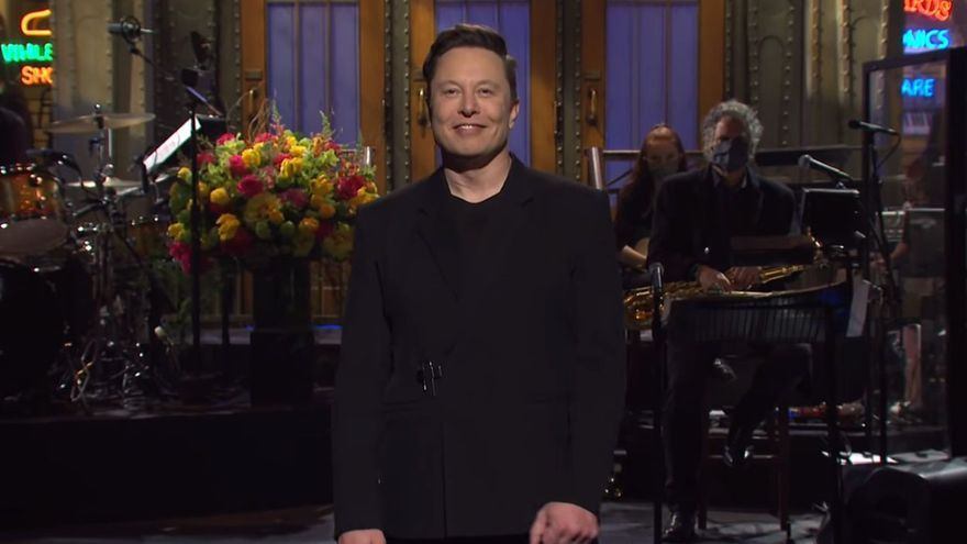 Elon Musk en Saturday Night Live: 'sketches', monólogos y el desplome del dodgecoin