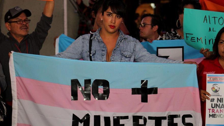 La ley trans no irá este martes al Consejo de Ministros, como quería Igualdad