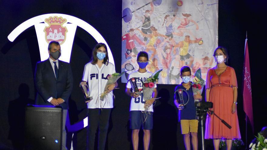 Bruno Puerto y Nieves Galvañ obtienen los principales premios de la Gala del Deporte de Aspe